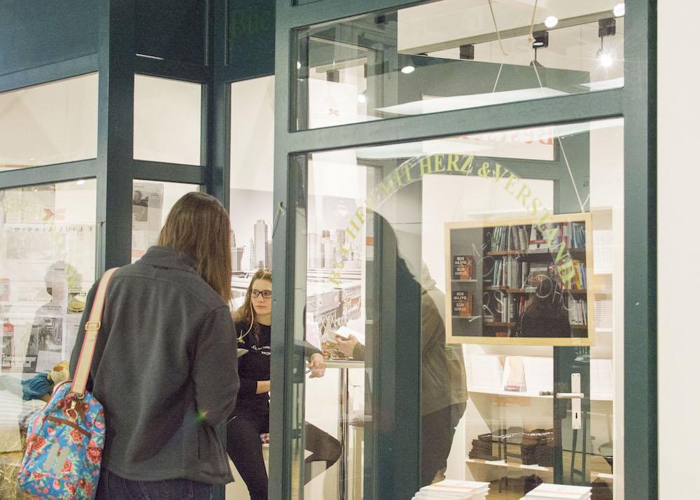 Frankfurt Book Fair 2015: Quaint bookstore-like stand