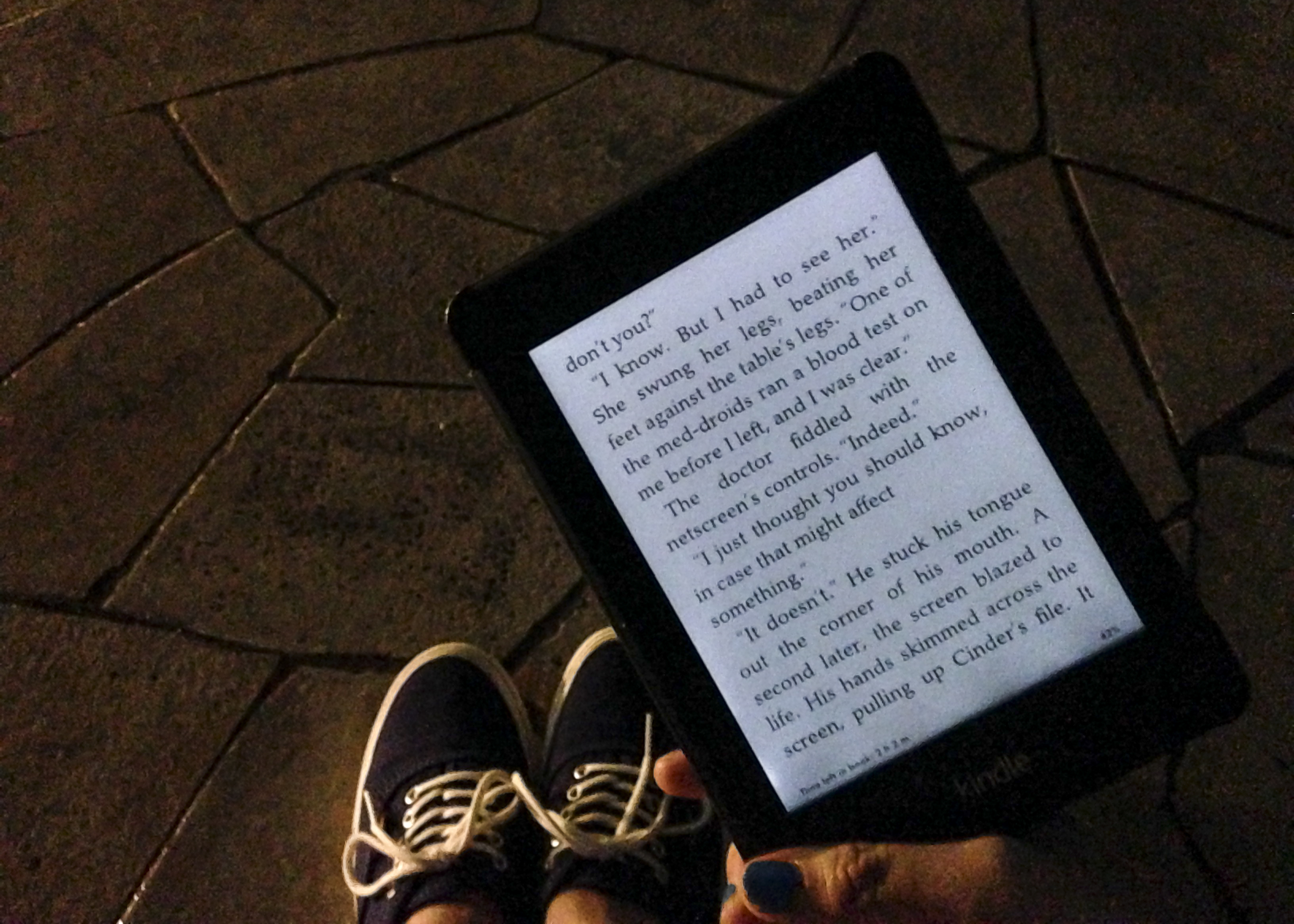 Reading in the dark with my Kindle Paperwhite