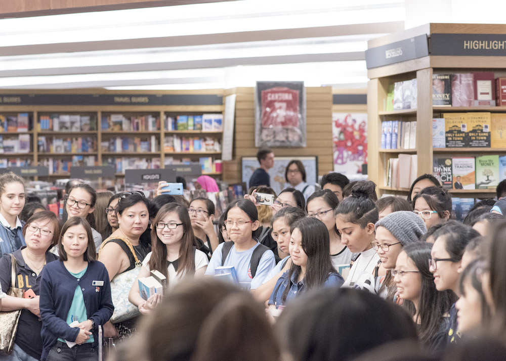 Sarah J. Maas Book Signing in Singapore: Captive audience