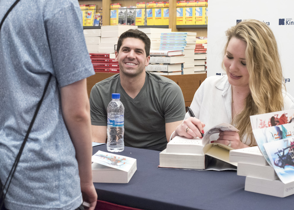Sarah J. Maas Book Signing in Singapore: Admiring the Throne of Glass shirt from Litographs