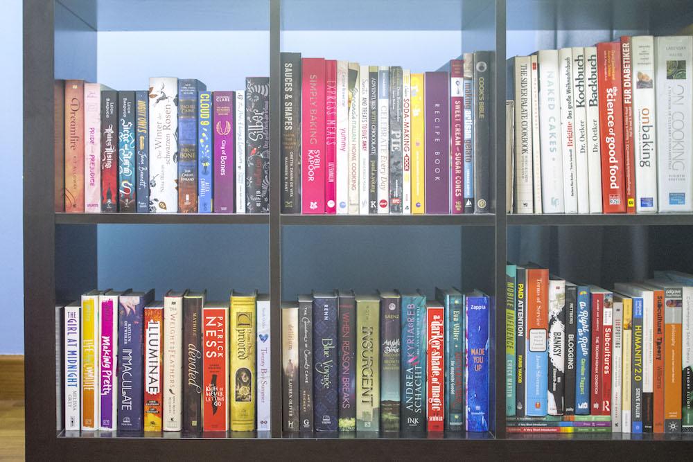 #TheShelfieHop - Bookshelf in Bedroom