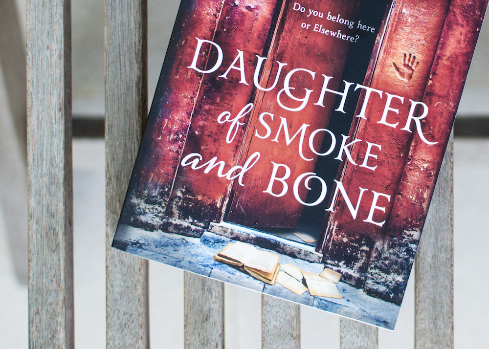 Reading Daughter of Smoke and Bone by Laini Taylor by Laini Taylor