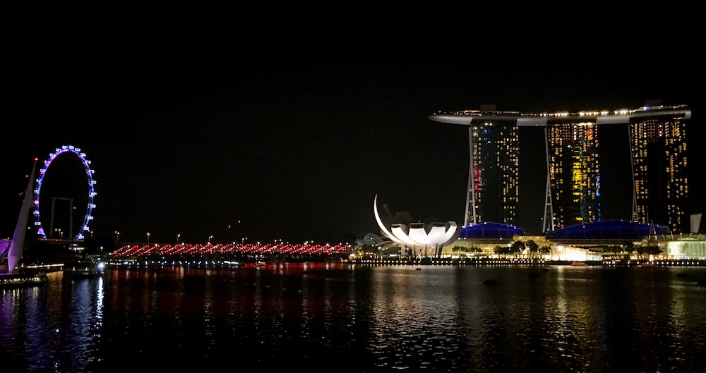 View from Collier Quay on MBS and Singapore Flyer